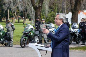 """Fernández aseveró que será """"implacable"""" en el combate a la delincuencia"""