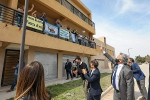 Tras advertir que su Gobierno no siembra «grieta», Fernández cuestionó que «detrás de cada casa (del Procrear) inconclusa hay una lógica»