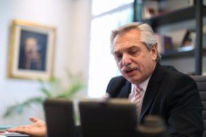 Fernández reafirmó su voluntad de «diálogo» para hacer política, aunque disparo sus críticas contra la oposición de JxC