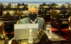 Diputado del PRO que estuvo en la sesión del martes pasado dio positivo de Covid-19