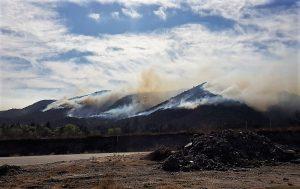 Incendios: bomberos continúan trabajando en el combate al fuego en zonas afectadas