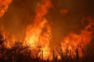 Siguen activos tres focos de incendios en territorio cordobés