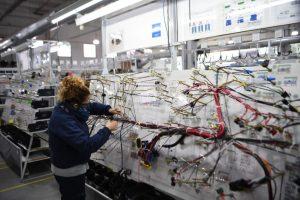 Autopartistas cordobesas se reconvirtieron produciendo piezas para respiradores