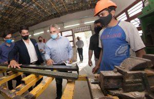 Se inauguró la primera fábrica de «maderas plásticas» de Córdoba