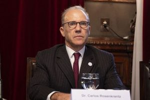 Tras el pedido de juicio político, Rosenkrantz  denunció una «campaña de desprestigio» en su contra