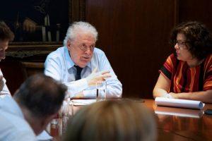 González García afirmó que la vacuna contra el Covid-19 no será obligatoria, pero se buscará que sea «masiva»