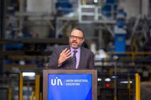 Kulfas negó el «éxodo» y afirmó que se han registrado  35 anuncios de inversiones industriales